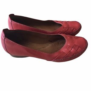 Clarks Salmon Color Leather Loafers 7